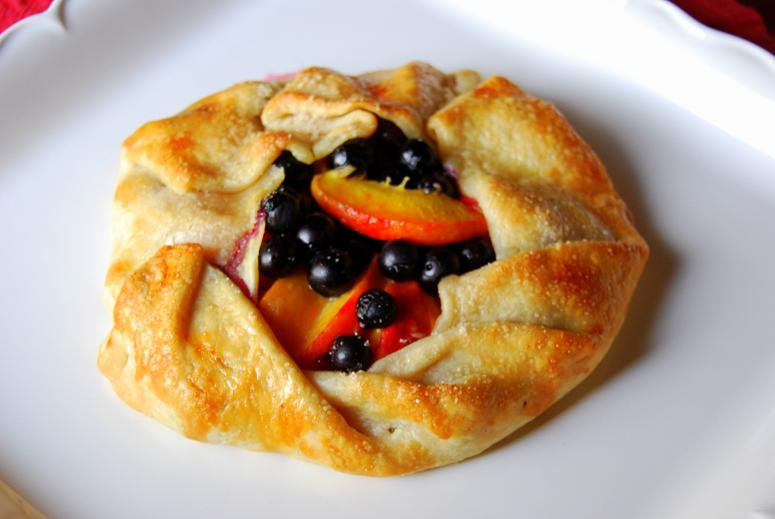 Rustic blueberry-peach galette – In Mama Steph's Kitchen