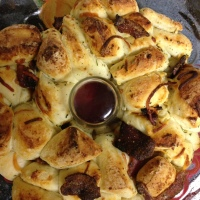 A nice, warm breakfast: Bacon pull-apart bread