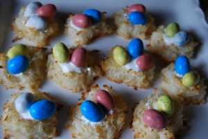 Mama Steph's springtime birds' nest cookies